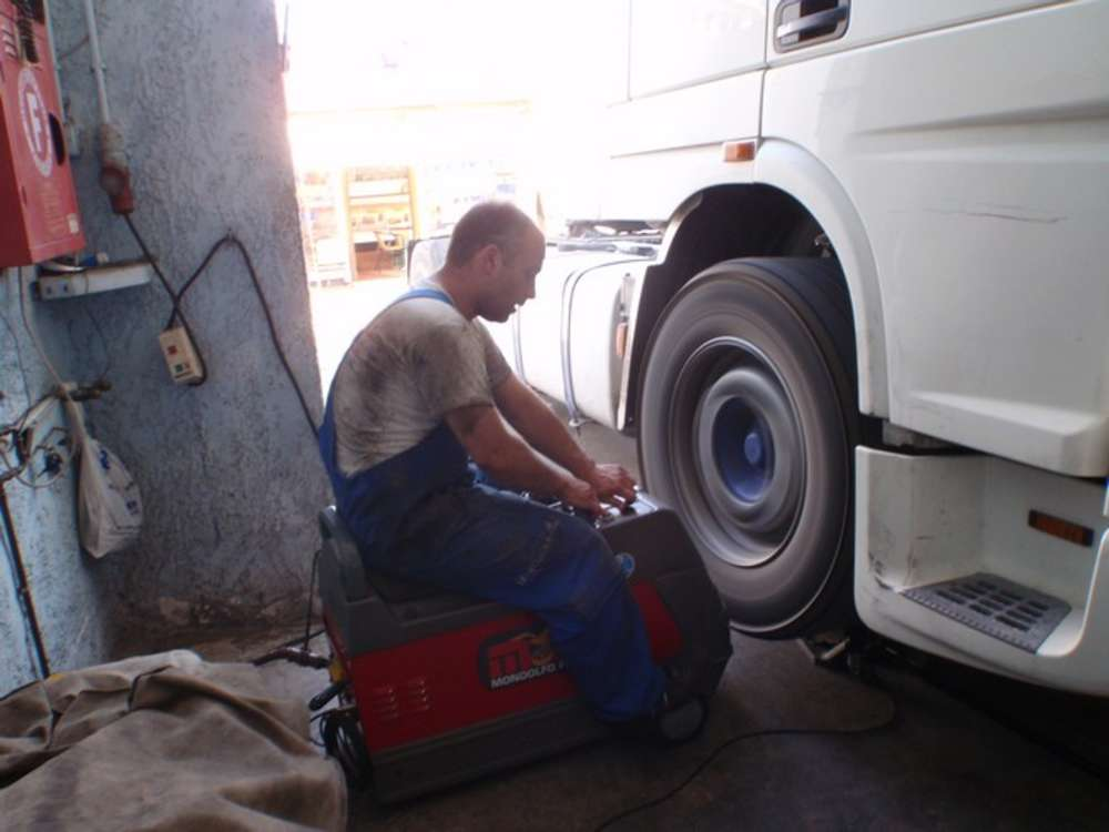 Ζυγοστάθμιση Φορτηγών - Γεραλής | Ευθυγράμμιση | Ζυγοστάθμιση | Service Φορτηγών | Service Αυτοκινήτων - 24ωρο Service | Κινητό Συνεργείο | Έλεγχος ΚΤΕΟ | Κάρτες Καυσαερίων | Διαγνωστικός Έλεγχος