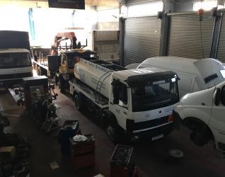 Συνεργείο φορτηγών Γεραλης - Γεραλής   Ευθυγράμμιση   Ζυγοστάθμιση   Service Φορτηγών   Service Αυτοκινήτων - 24ωρο Service   Κινητό Συνεργείο   Έλεγχος ΚΤΕΟ   Κάρτες Καυσαερίων   Διαγνωστικός Έλεγχος