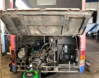 Καπάκι μηχανής λεωφορείου - Γεραλής | Ευθυγράμμιση | Ζυγοστάθμιση | Service Φορτηγών | Service Αυτοκινήτων - 24ωρο Service | Κινητό Συνεργείο | Έλεγχος ΚΤΕΟ | Κάρτες Καυσαερίων | Διαγνωστικός Έλεγχος